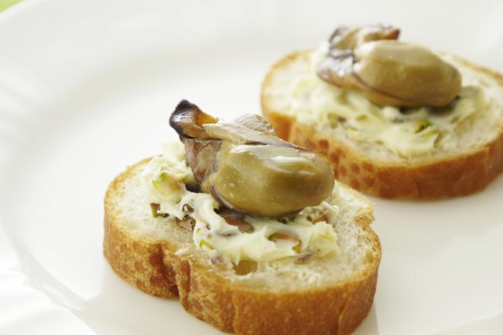 牡蠣とピスタチオのバゲット